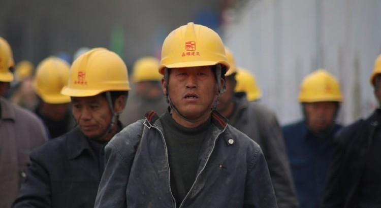 trabalhadores_trafico_humano_condições_trabalho_sst_blog_safemed